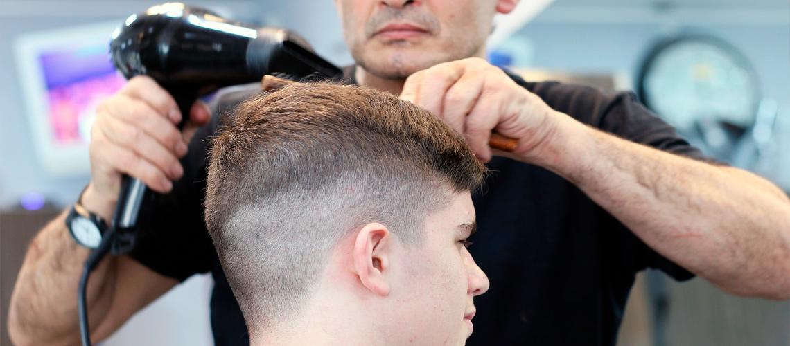 Barbeiro é uma das opções de cursos oferecidos - Pixabay