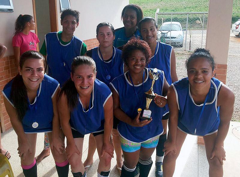 Time de futebol society que jogou no Alto Caxixe no dia 04/03 - Divulgação