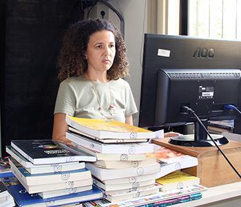 <b>Título:</b>Sandra Kuster é a bibliotecária responsável - Ascom/PMVNI