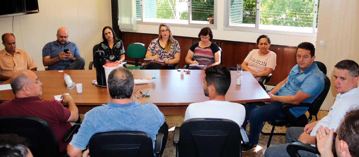 Vereadores participaram e contribuíram com a reunião na manhã desta terça (17) - Ascom/PMVNI