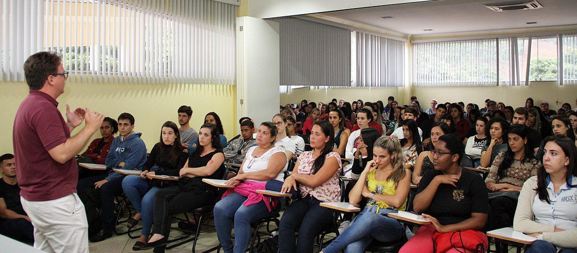 Chefe de Gabinete, Frederico Rodrigues, explicou pontos e tirou dúvidas sobre o projeto - Ascom/PMVNI