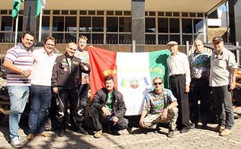 Participantes vendanovenses vão levar a bandeira do Município - Ascom/PMVNI