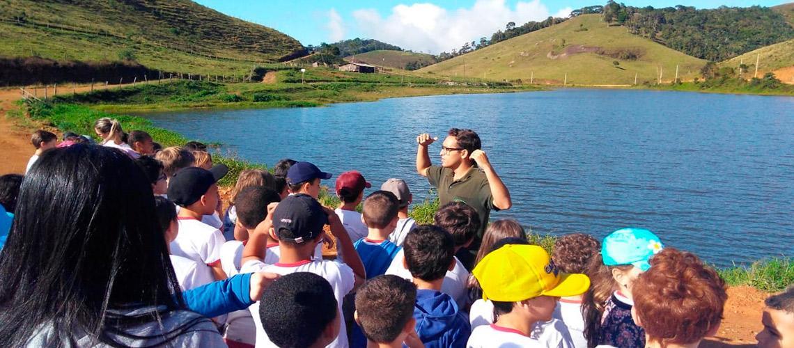 No Lago Alto Bananeiras os estudantes vendanovenses receberam orientações sobre a preservação ambiental - arquivo pessoal